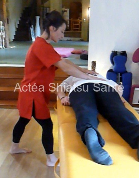 Rachel-2011-shiatsu-table-1