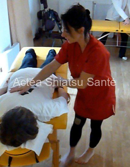 Rachel-2011-shiatsu-table-110