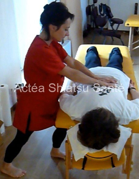 Rachel-2011-shiatsu-table-131