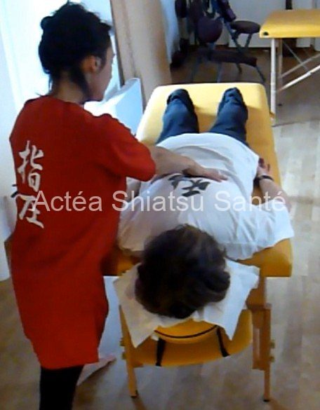 Rachel-2011-shiatsu-table-148