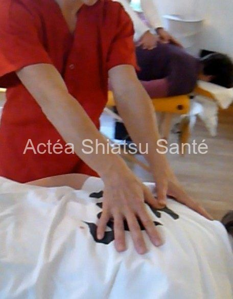Rachel-2011-shiatsu-table-54