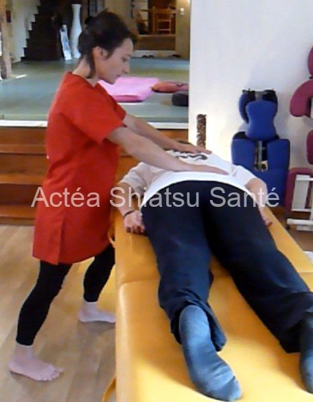 Rachel-2011-shiatsu-table-7