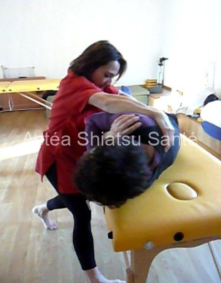 Rachel-2011-shiatsu-table-Osteo-2