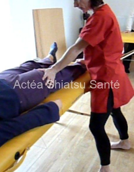 Rachel-2011-shiatsu-table-face-181