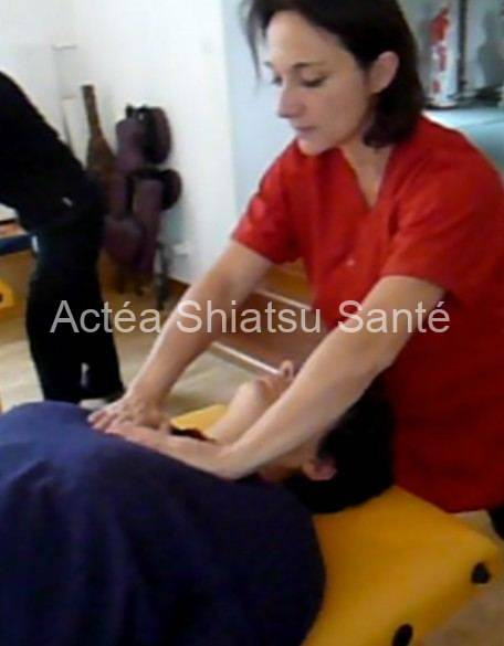 Rachel-2011-shiatsu-table-face-70